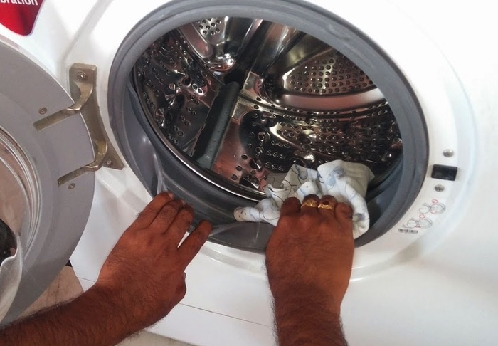 The Perfect Way To Clean A Washing Machine