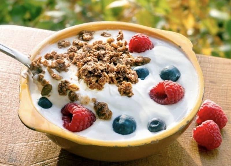 Fettreduzierter Naturjoghurt